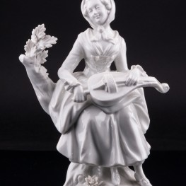 Фарфорвая статуэтка Девушка с колесной лирой, Дрезден, Германия, пер. пол. 20 в.