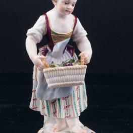 Девочка с корзиной фруктов, Meissen, Германия, 19 в