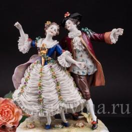 Фарфоровая композиция Танцовщица Камарго с кавалером, кружевная, Volkstedt, Германия, до 1935 г.