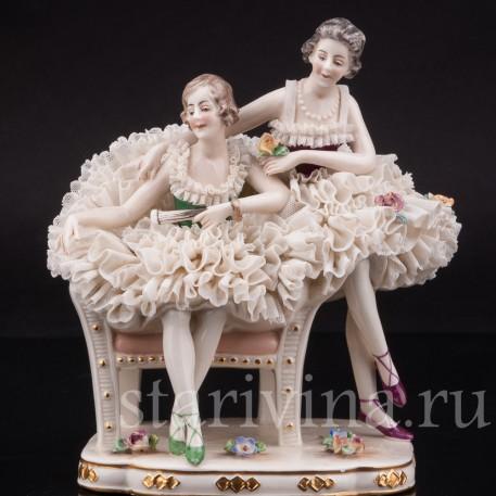 Фарфоровая статуэтка Две балерины на кресле, кружевная, Ackermann & Fritze, Германия, пер. пол. 20 в.